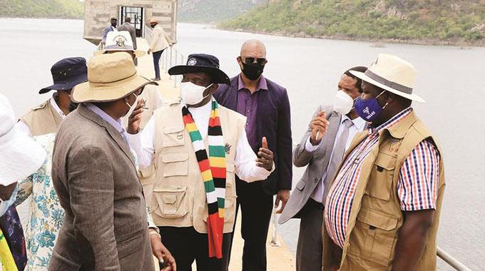 Mnangagwa commisions Murambinda dam